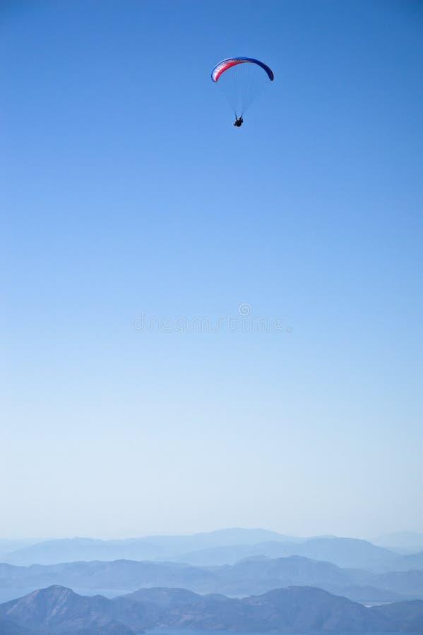 fallschirmspringen stockbild