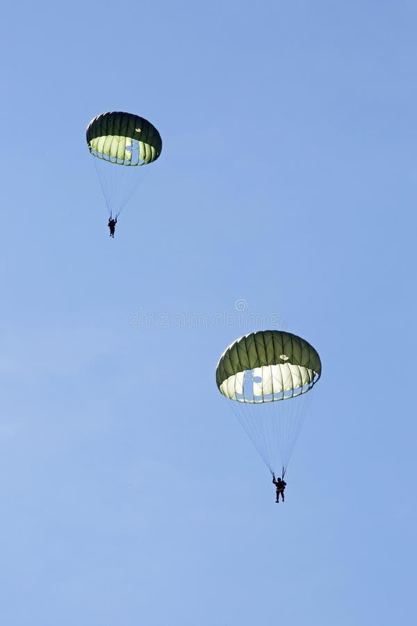 Fallskärmsjägaredemonstration royaltyfri bild