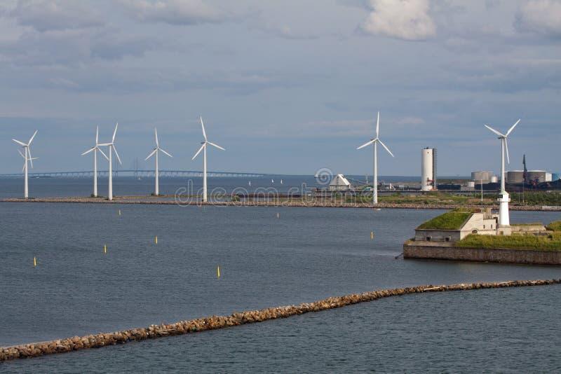 falochronu generatorów horyzontalny turbina wiatr fotografia stock