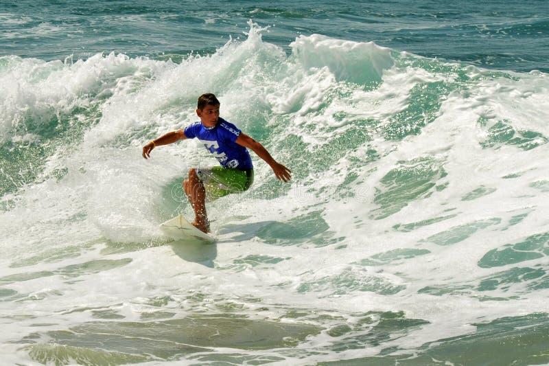Falowy surfing zdjęcie royalty free