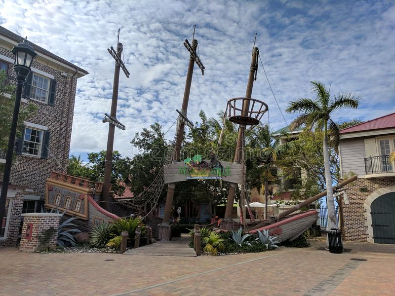 Falsa entrada del restaurante del naufragio de Margaritiville en Jamaica fotografía de archivo