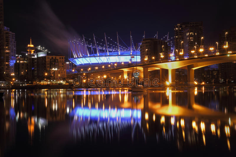 False Creek Vancouver nattreflexioner royaltyfri foto