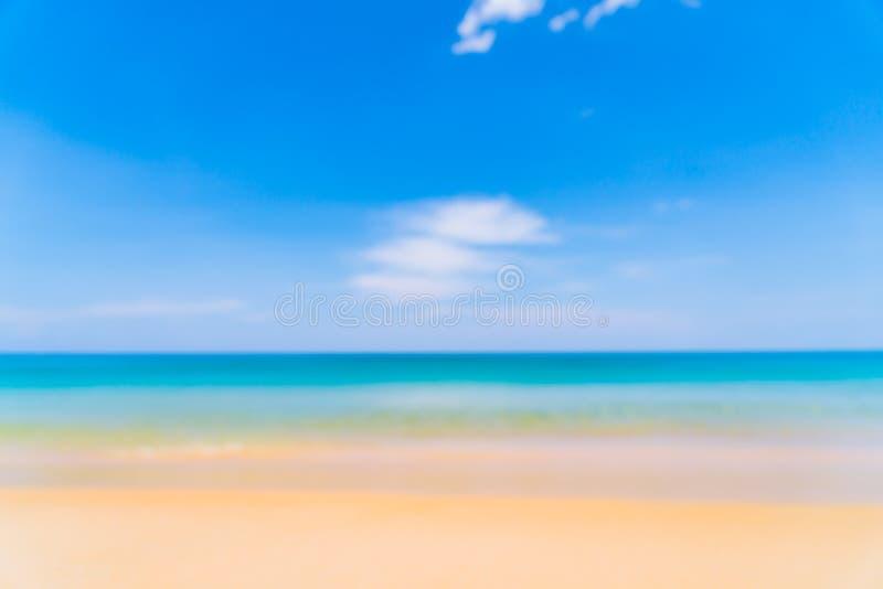 falta de definición abstracta y playa y mar tropicales del defocus en el paraíso isl fotografía de archivo