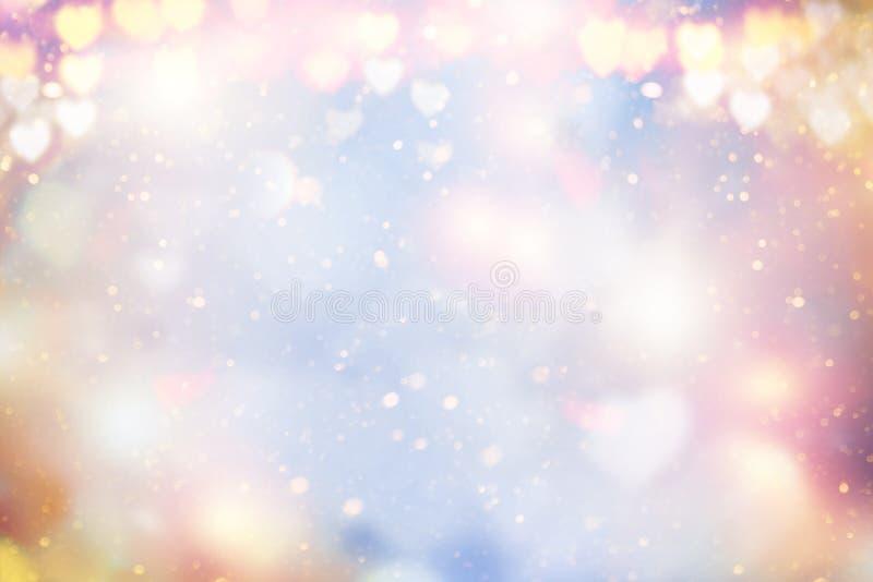 Falta de definición borrosa en colores pastel abstracta del fondo del día de fiesta que brilla intensamente, bokeh Corazones de l fotos de archivo