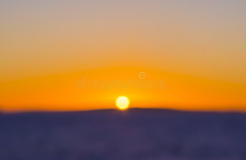 Falta de definición colorida de la puesta del sol fotos de archivo libres de regalías