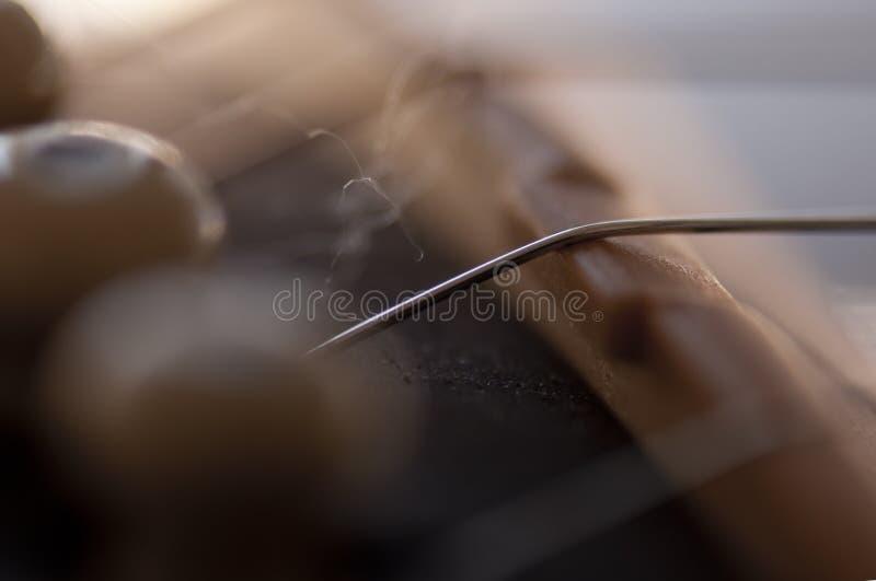 Falta de definición de la cadena de la guitarra fotos de archivo