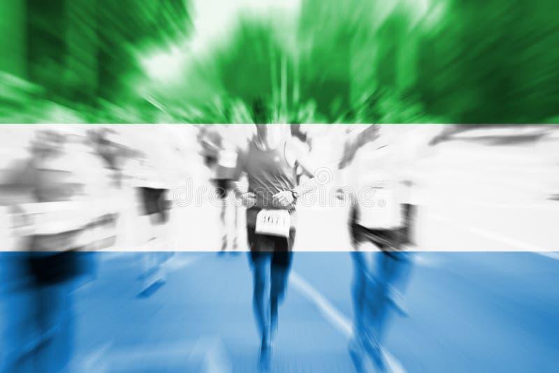 Falta de definición de movimiento del corredor de maratón con la bandera de mezcla del Sierra Leone ilustración del vector