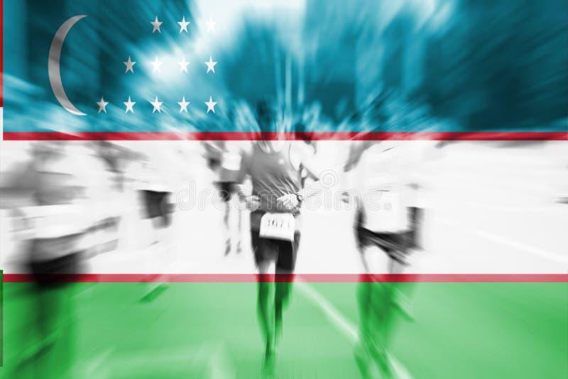 Falta de definición de movimiento del corredor de maratón con la mezcla de la bandera de Uzbekistán ilustración del vector