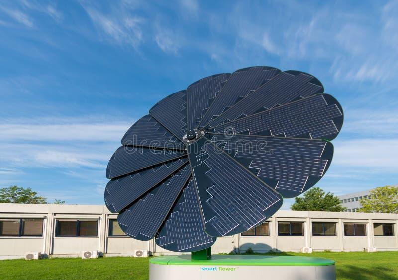 Faltbarer Sonnenkollektor stockbilder