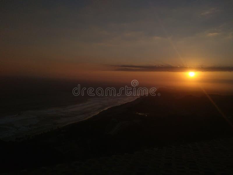 Falte siempre la puesta del sol imagenes de archivo