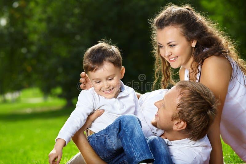 Família alegre imagem de stock