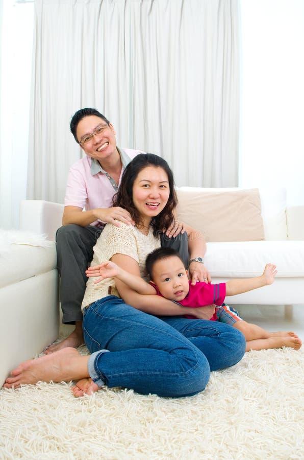 Família asiática imagem de stock