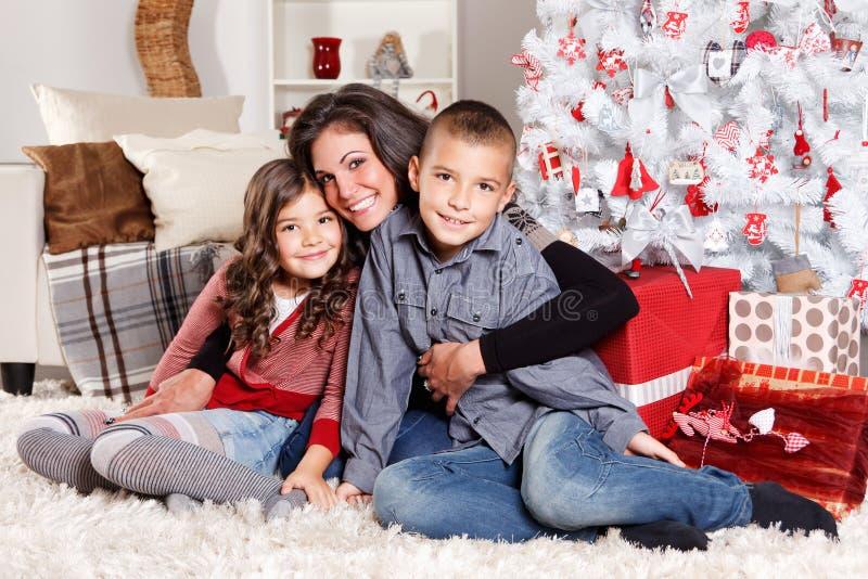 Família bonita no Natal fotos de stock