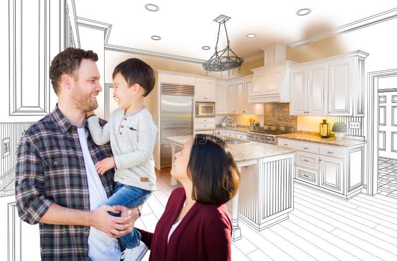 Família caucasiano e chinesa da raça misturada nova na cozinha feita sob encomenda fotos de stock