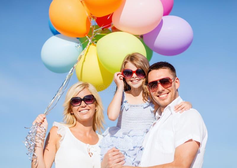 Família com balões coloridos fotos de stock