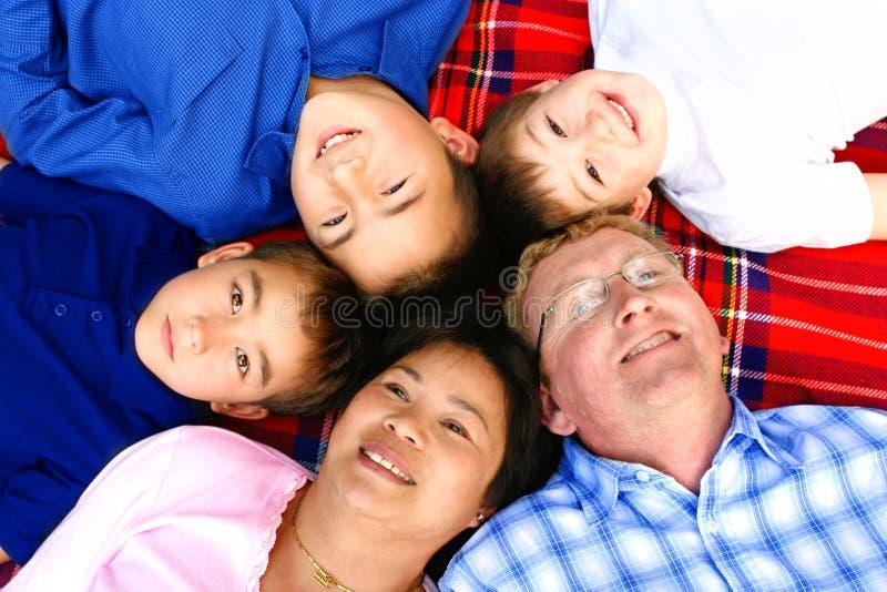 Família de tailandês e de europeu imagem de stock