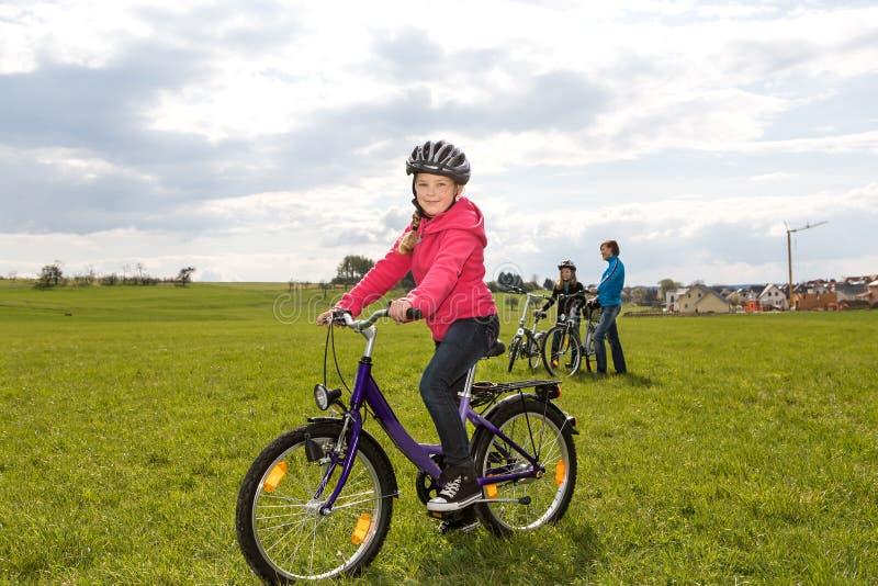 Família do ciclismo imagem de stock royalty free