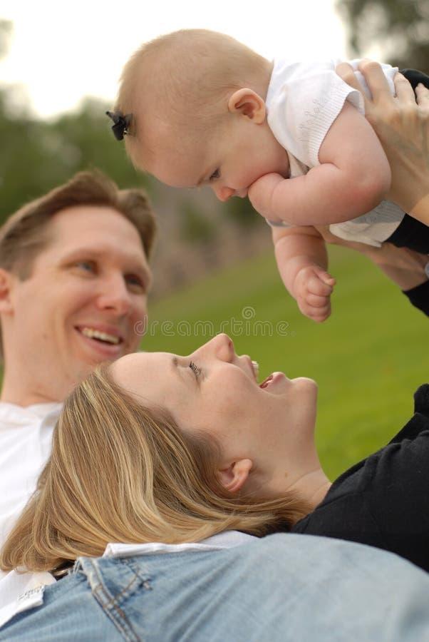 Família estreitamente ligada fotografia de stock