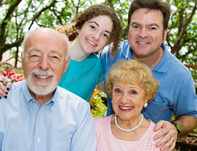 Família estreitamente ligada imagem de stock
