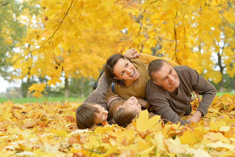 Família feliz bonita foto de stock royalty free