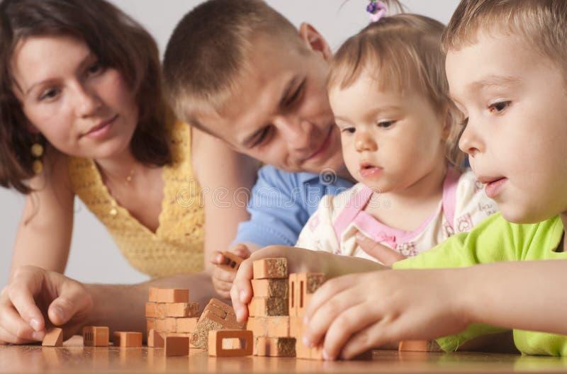 Família na tabela fotos de stock royalty free