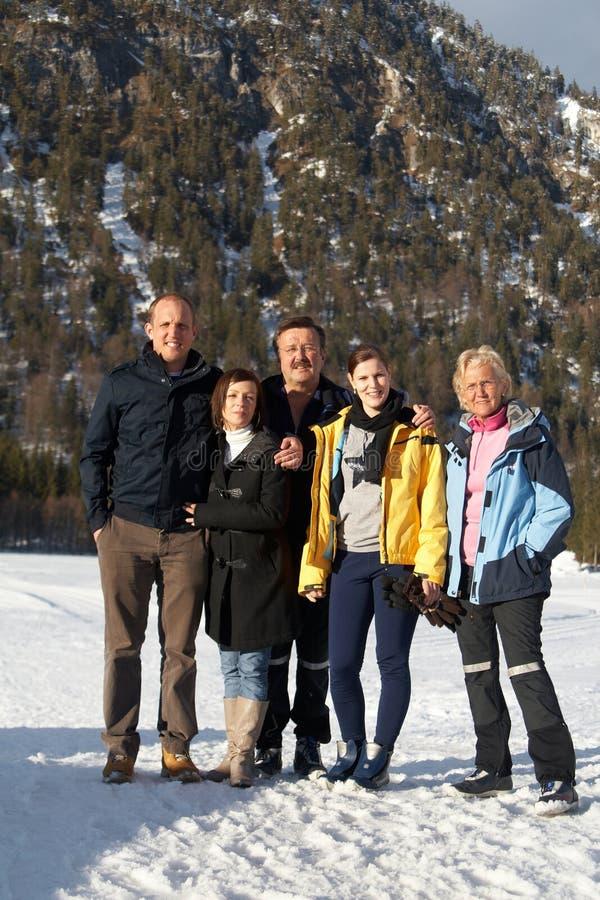 Família nos alpes fotografia de stock
