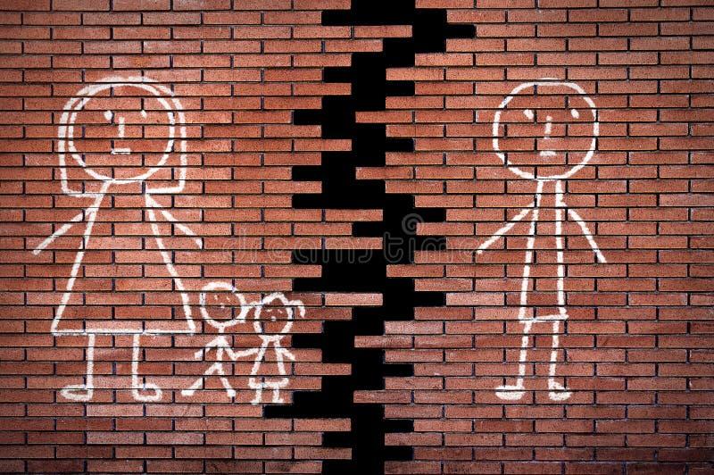 Família quebrada na parede imagem de stock
