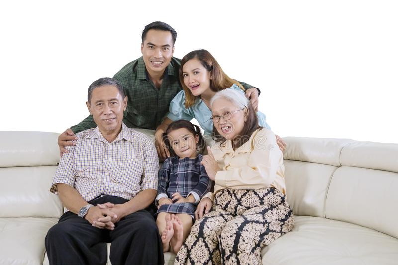 Famiglia allargata che prende un'immagine del selfie del gruppo immagine stock libera da diritti