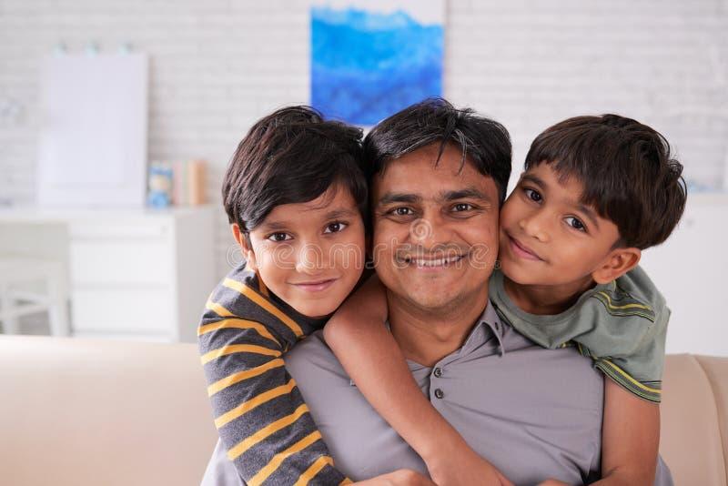 Famiglia amorosa fotografie stock