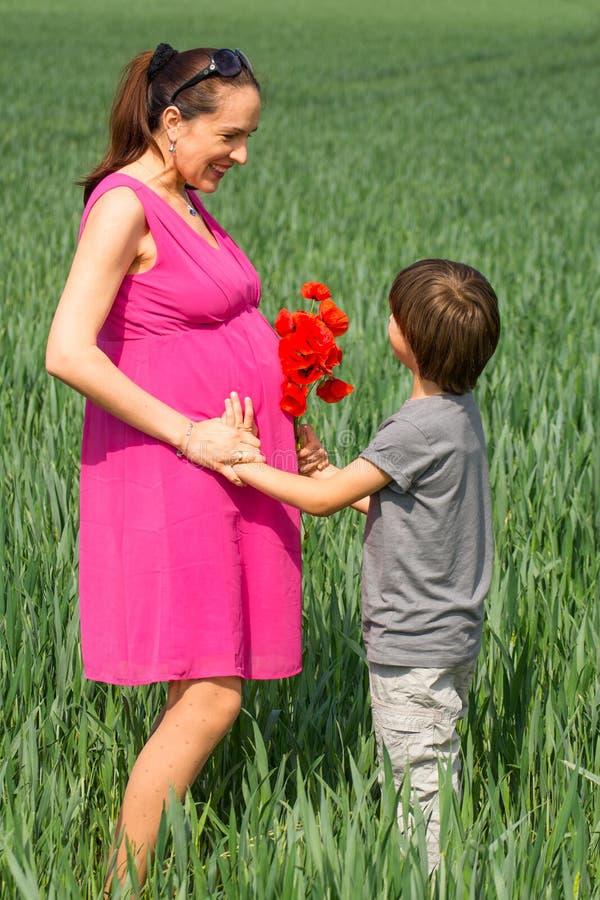 Famiglia del figlio e della madre immagini stock libere da diritti