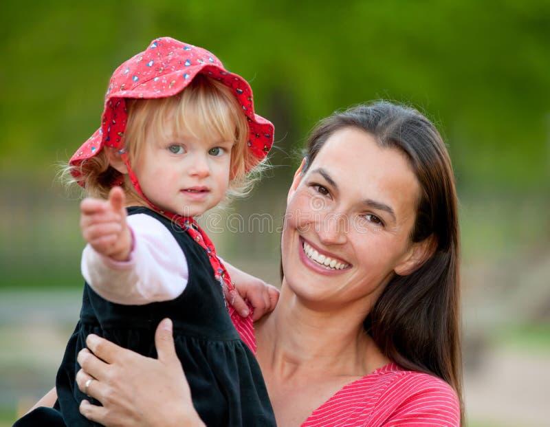 Famiglia della figlia e della madre fotografia stock