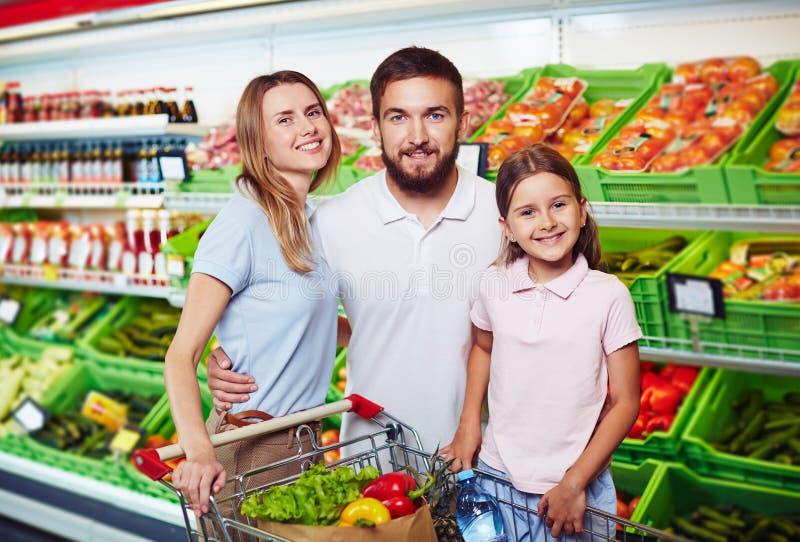 Famiglia in deposito immagini stock libere da diritti