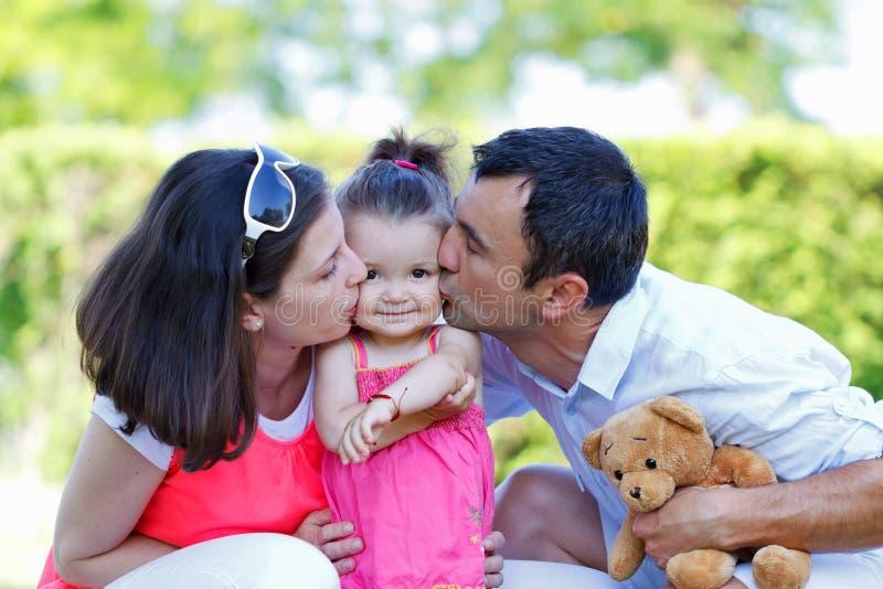 Download Famiglia felice fotografia stock. Immagine di handsome - 55365510