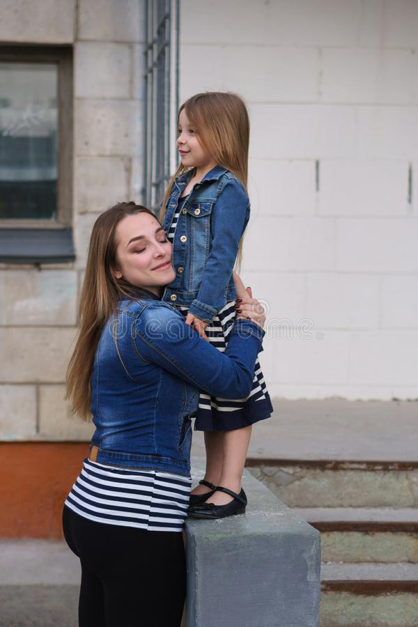 famiglia Madre e figlia fotografia stock libera da diritti