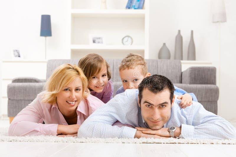 Famiglia nel paese immagine stock libera da diritti