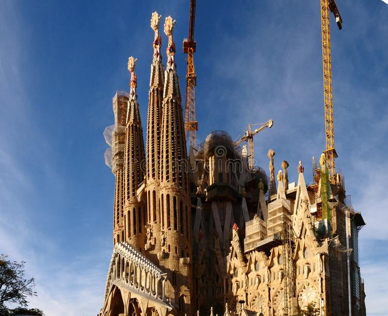 Famiglia santa di Sagrada FamÃlia - una cattedrale in costruzione immagine stock libera da diritti
