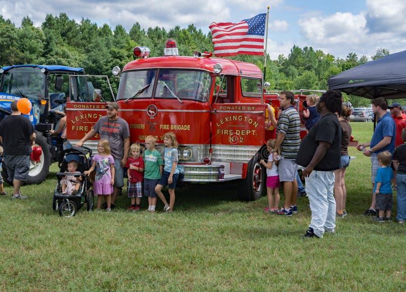 Famiglie all'ottavo Tocco-UN-camion annuale fotografie stock libere da diritti