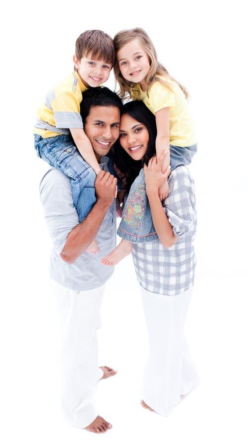 Familia animada que se divierte junto foto de archivo libre de regalías