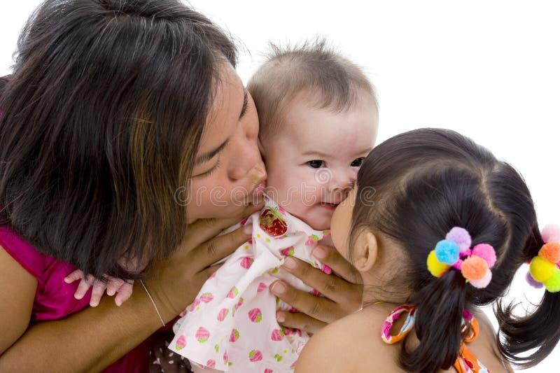 Familia asiática encantadora imagenes de archivo