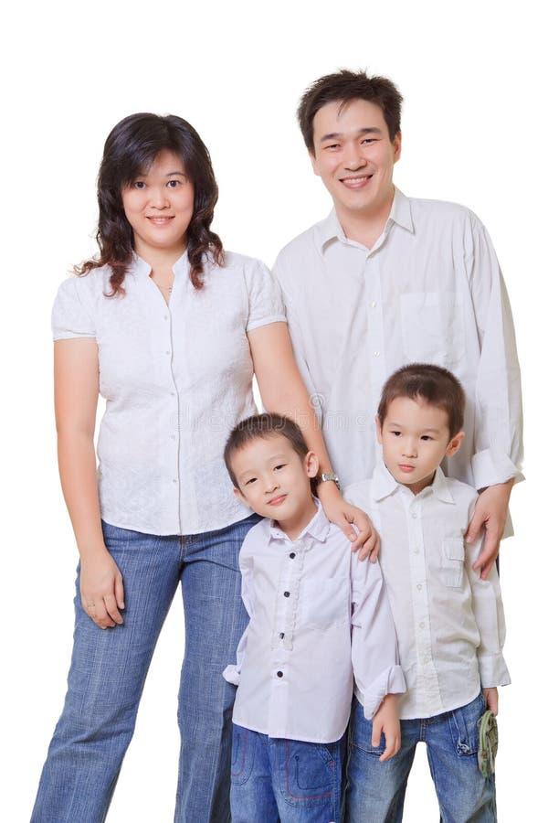 Familia asiática joven imagen de archivo libre de regalías