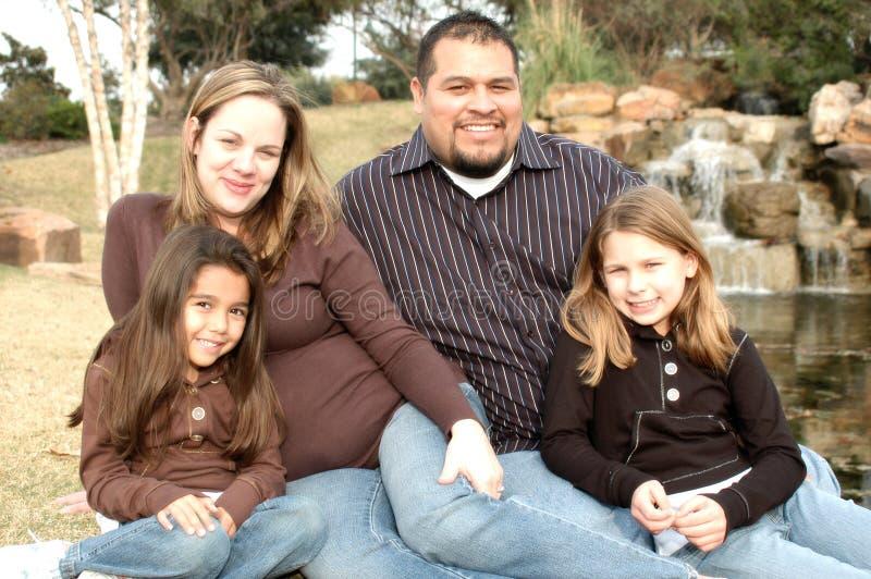 Familia cariñosa fotografía de archivo