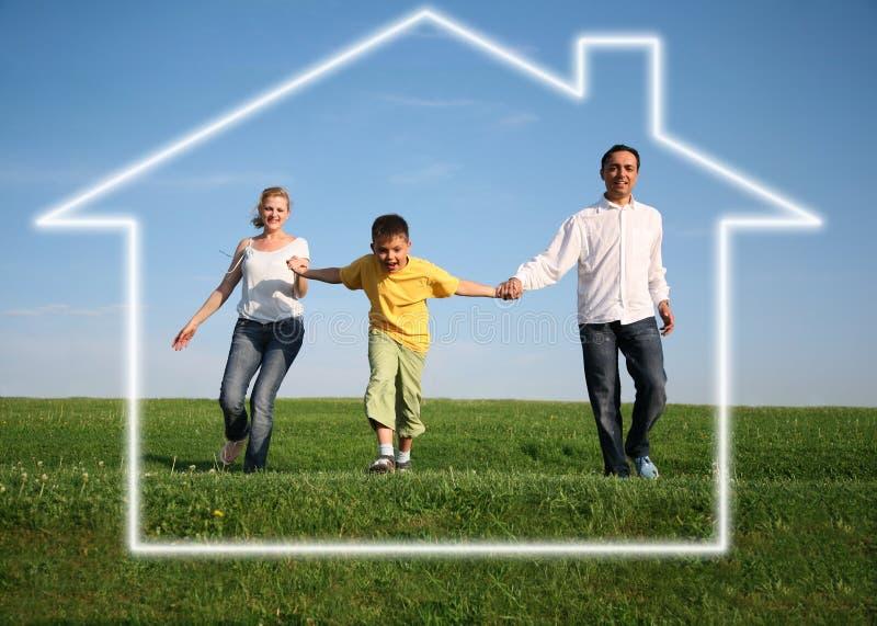 Familia. casa ideal