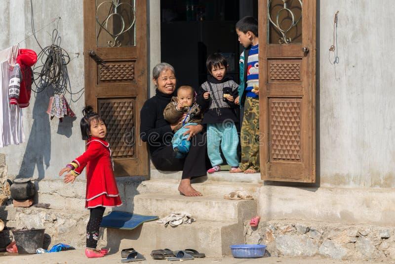 Familia china feliz imágenes de archivo libres de regalías