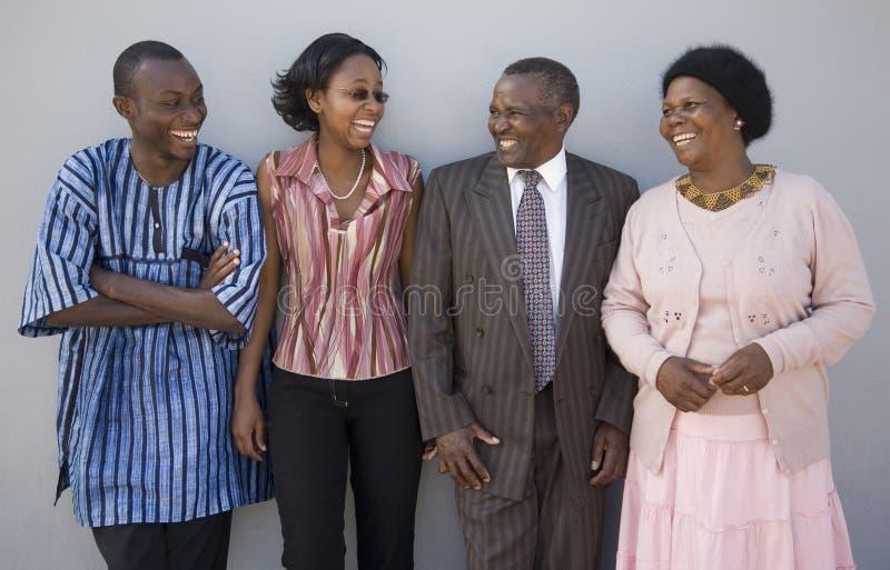 Familia chistosa imagen de archivo