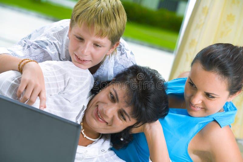 Familia con los comp imágenes de archivo libres de regalías