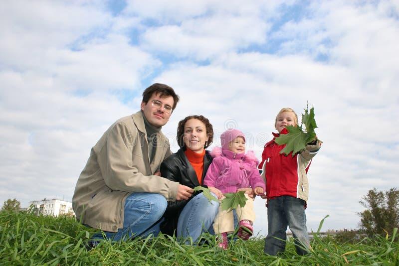 Download Familia de cuatro miembros foto de archivo. Imagen de amor - 1288722