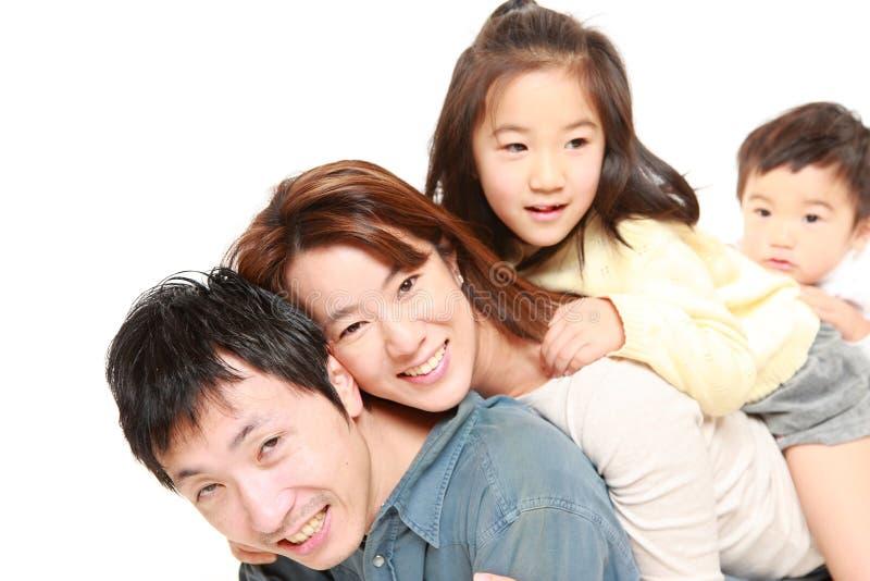 Familia de cuatro miembros japonesa fotografía de archivo