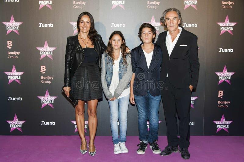 Familia de José Manuel Lorenzo y su imagenes de archivo