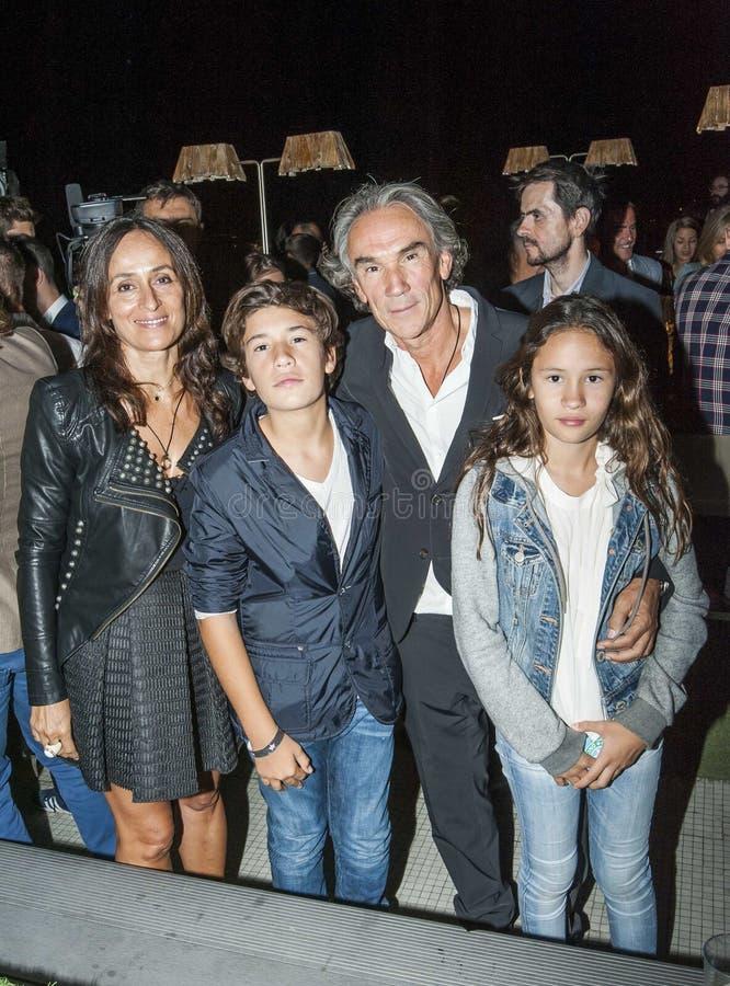 Familia de José Manuel Lorenzo y su fotografía de archivo libre de regalías