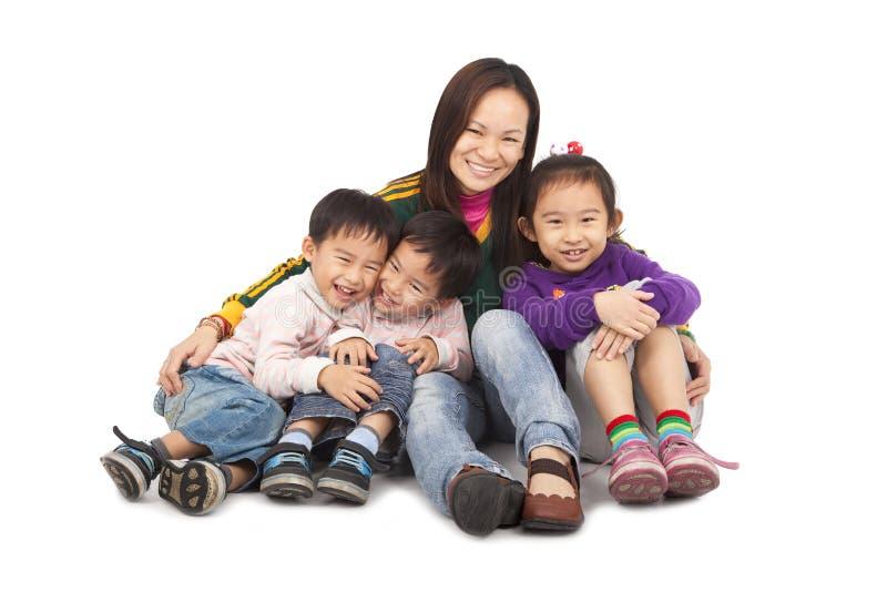 Familia de la madre asiática foto de archivo